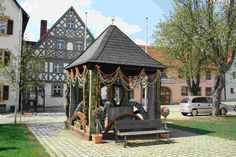 Osterbrunnen am Marienplatz - Foto: Stadt Hollfeld