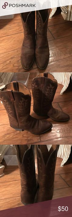 """Ariat Heritage Cowboy Boots Ariat Heritage cowboy boot- medium toe;size  8.5; Max Flex Duratread outsole has a rose-patterned tread 13"""" shaft Walking heel; worn several times but in really good shape- nothing is wrong with them- just doing a big closet purge Ariat Shoes Heeled Boots"""