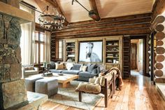 A holidays' home in Montana  Old and organic materials, often with local origins, and a soothing gray, cream and brown color, give this Montana home owns by a Californian family for its holidays, a quiet and close to nature feel. Beni Ouarin Moroccan rugs scattered in every room bring their exotic note to this typical North American home. Photos: Audrey Hall