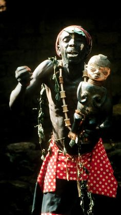 A Nokang at a death ceremony in the Palace of Oku, Northwest Province of Cameroon. Photo by Hans-Joachim Koloss