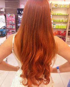 tonalizado com c. Copper Hair, Copper Red, One Piece Hair Extensions, Voluminous Hair, Redheads, Red Hair, Hair Inspiration, Hair Clips, Curly Hair Styles