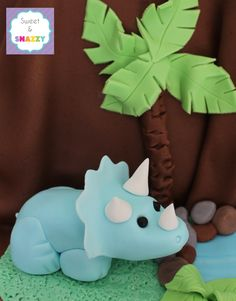 Triceratops Dinosaur Cake Topper by Sweet & Snazzy https://www.facebook.com/sweetandsnazzy