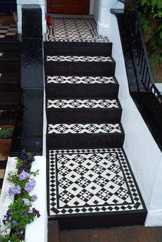 Victorian bathroom door mosaic tiles 58 ideas for 2019 Front Door Steps, Front Door Porch, Porch Steps, Front Path, Victorian Tiles, Victorian Bathroom, House With Porch, House Front, Victorian Front Garden
