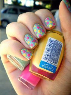 Nail Art colorida fácil de fazer!