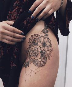 60 Most Trendy Inspirational Hip Buttocks Tattoos Ideas For Women - Page 31 of 65 - Diaror Diary Flower Hip Tattoos, Hip Thigh Tattoos, Side Hip Tattoos, Floral Thigh Tattoos, Mini Tattoos, Sexy Tattoos, Body Art Tattoos, Upper Leg Tattoos, Tattoo Flowers
