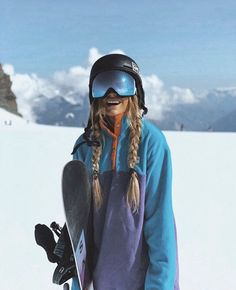 Let's get funky in the « Après Fleece Mode Au Ski, Chalet Girl, Snowboarding Style, Snowboard Girl, Ski Girl, Snow Outfit, Ski Season, Mode Outfits, Ski Outfits