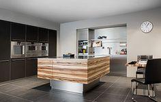 Küchenausstellung von Elbau – Inforama Showroom Showroom, Kitchen Island, Home Decor, Custom Kitchens, Kitchen Contemporary, Island Kitchen, Decoration Home, Room Decor, Fashion Showroom