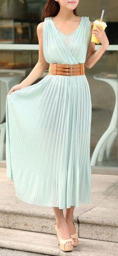 Maxi with a wide belt