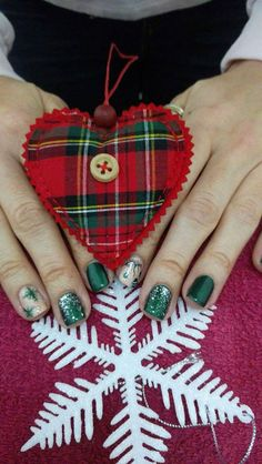 VslNails: christmas season! Seasons, Christmas Ornaments, Holiday Decor, Nails, Home Decor, Finger Nails, Decoration Home, Ongles, Room Decor
