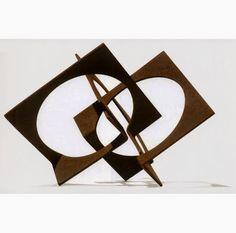 Franz Josef Weissmann (Knittelfeld, Áustria, 15 de setembro de 1911 — Rio de Janeiro, 18 de julho de 2005) foi um escultor brasileiro nascido na Áustria, emigrou para o Brasil com onze anos de idade. É uma das principais referências brasileiras na Escultura.  http://sergiozeiger.tumblr.com/post/97671715548/franz-josef-weissmann-knittelfeld-austria-15-de