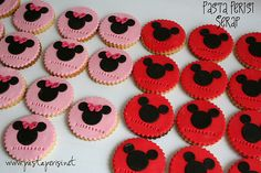 Mickey Mouse fondant cookies
