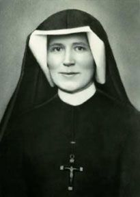 """October - Saint Maria Faustina Kowalska: Her claims of receiving apparitions of Jesus Christ inspired the Roman Catholic devotion to the Divine Mercy and earned her the title of """"Apostle of Divine Mercy"""". Catholic Prayers, Catholic Saints, Patron Saints, Roman Catholic, Catholic Beliefs, Catholic Bible, St Faustina Kowalska, Miséricorde Divine, Divine Mercy Chaplet"""
