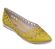 Sapatilha bico fino com recortes a laser | Sapatilhas | Bottero Calçados