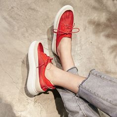 #chiko #chikoshoes #shoes #fashion #fashionable #style #lookbook #fall #winter #autumn #new #best #streetstyle #chic #trend #streetfashion #flatforms #oxfordshoes #oxfords #red #sneakers #grungy #2018 #edgy #spring #dadsneakers #cool #wedge #sheer