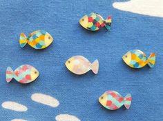 こちらはクリエイター・ミサカナさんの作品です。 色鉛筆で着色してあります。色鉛筆を使う際は着色したい面を紙やすりでサンディングしてから行うときれいに発色します。