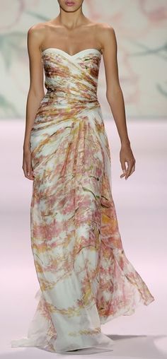 Monique Lhuillier Spring 2011. Gold & Pink