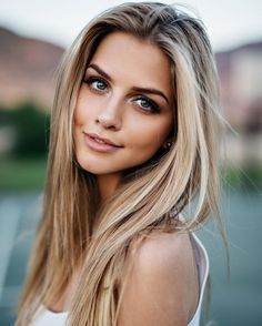 Best hair color blonde with black eyebrows Ideas Hair Dos, My Hair, Great Hair, Pretty Hairstyles, Female Hairstyles, Amazing Hairstyles, Fast Hairstyles, Blonde Hairstyles, Hairstyle Ideas