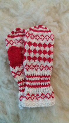 Knit Mittens, Mitten Gloves, Baby Knitting Patterns, Knitting Projects, Ravelry, Free Pattern, Knit Crochet, Socks, Quilts