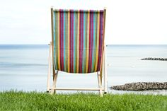 A great DIY project on how to make a deckchair. There's only one thing more relaxing than sitting in a deckchair and that's sitting in one you've made. Diy Furniture Chair, Beach Furniture, Outdoor Furniture, Woodworking Garage, Woodworking Projects, Diy Projects, Wooden Beach Chairs, Stainless Steel Washers, Outdoor Folding Chairs