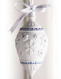 Wedgwood 2013 Snowflake Teardrop Ornament