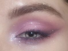 Discover recipes, home ideas, style inspiration and other ideas to try. Edgy Makeup, Makeup Eye Looks, Eye Makeup Art, Fairy Makeup, Cute Makeup, Pretty Makeup, Skin Makeup, Eyeshadow Makeup, Makeup Inspo