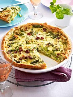Spargel aus dem Ofen ist einfach köstlich - besonders in Form dieser vegetarischen Spargel-Quiche.