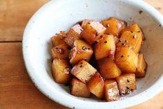 감자조림 만드는법, 맛있는 감자조림 황금레시피~~완소 레시피랍니다 : 네이버 블로그 Korean Dishes, Korean Food, Sweet Potato, Potatoes, Vegetables, Cooking, Health, Recipes, Board