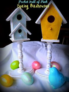 tutorial for making spring birdhouses Spring Weather, General Crafts, Birdhouses, Easter Ideas, Craft Fairs, Garden Art, Baths, Creative Ideas, Craft Projects