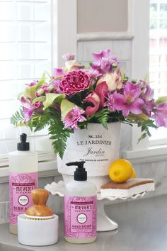 How to keep fresh flowers last longer. Keep your fresh flowers looking their best with these tips and tricks to make them last longer.