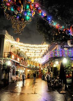 new orleans christmas pictures | New Orleans Square, USA during Christmas