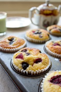 Grab & Go Low Carb Muffins. Grab & Go Low Carb Muffins Recipes Do you want a quick low carb, gluten and sugar free breakfast that is perfect for busy weekday mornings? Say hello to these Grab . Sugar Free Breakfast, Quick Keto Breakfast, Delicious Breakfast Recipes, Breakfast Cereal, Breakfast Ideas, Mcdonalds Breakfast, Breakfast Bars, Breakfast Muffins, Diet Breakfast