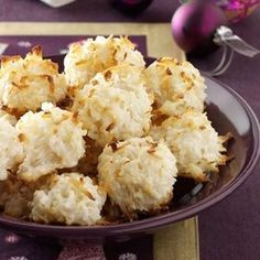 Quick and easy, and pretty good. Not the best macaroons though.too much condensed milk, not enough coconut. Quick Coconut Macaroons Recipe from Taste of Home -- shared by Nancy Tafoya of Ft. Delicious Desserts, Yummy Food, Macaroon Cookies, Macaroon Recipes, Coconut Macaroons, Coconut Recipes, Cupcakes, Christmas Baking, Christmas Dishes