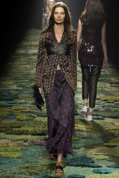 Dries Van Noten Spring 2015 Ready-to-Wear Fashion Show - Dasha Denisenko (Supreme)