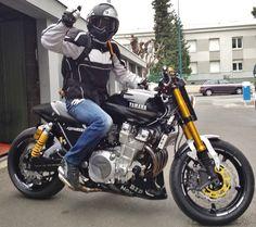 Suzuki Cafe Racer, Cafe Racer Bikes, Ducati, Yamaha Xjr 1300, Yamaha Bikes, Roadster, Scrambler, Custom Bikes, Yamaha Motorcycles