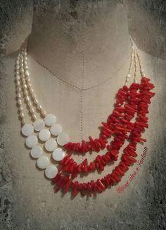 Collana con corallo perle di fiume madreperla