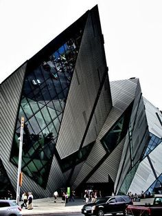 Royal Ontario Museum, #toronto. The Crystal, extension by Daniel Libeskind, architect. #Architecture - ☮k☮