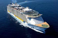 L'Allure of the seas de la compagnie Royal Carribean est le plus grand paquebot du monde ! Capacité: 5402 passagers. #croisière #croisierenet.com #voyage #bateau #RoyalCarribean