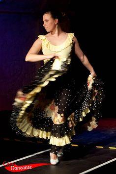 Flamenco-Tellerrock 3 Volants + Volantbody | La Capa Danzante - Schneideratelier für Tanzbekleidung | #Tanzbekleidung #dancewear #Flamenco