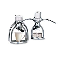 Invented by P. Hunt in 2004, the Presso expresses shot after perfect shot of espresso using just four things: fresh, properly ground coffee beans, fresh boiled water, pressure and a cup. #espresso #coffee maker #design #theluxurywelove