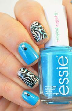 Essie Summer 2014 Strut your stuff //  L'ete sera ethno-graou-tropical - blue zebra nails #nail #nailart - http://lapaillettefrondeuse.blogspot.be/2014/05/essie-strut-your-stuff-lete-sera-ethno.html