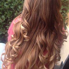 Spotted...in salone!  Il Degradé Joelle coccola i vostri capelli! #cdj #degradejoelle #tagliopuntearia #dettaglidistile #welovecdj #clientefelice #beautifulhair #naturalshades #hair #hairstyle #hairstyles #haircolour #haircut #fashion #longhair #style #hairfashion