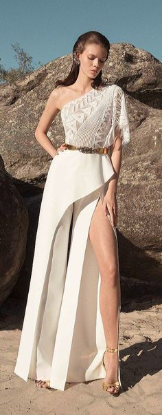 Zuhair Murad Primavera-Verano 2019 - Pret a porter Tea Length Wedding Dress, Tea Length Dresses, Trendy Dresses, Girls Dresses, Western Gown, Red Carpet Dresses, Feminine Style, The Dress, Jumpsuits For Women
