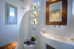 Greek Bedroom, Cob House Plans, Mykonos Villas, Mykonos Greece, Ideas Baños, Santorini House, Earthship Home, Contemporary Patio, Tadelakt
