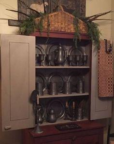 Primitive Kitchen, Primitive Antiques, Primitive Decor, Colonial Decorating, Decorating Ideas, Dining Rooms, Kitchen Dining, Houses In France, Primitive Christmas