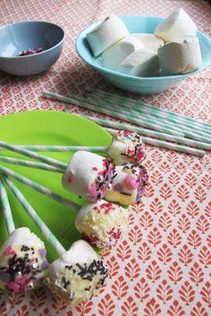 White chocolat marsmellow lollipops
