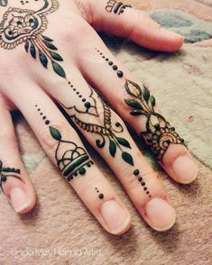 Der Zeigefinger gefällt mir am besten. Und euch? . . . #henna #berlin #lindameyhennaartist