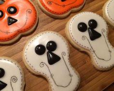 One dozen Halloween cookies
