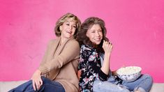 They're not friends, but when their husbands leave them for each other, proper Grace and eccentric Frankie begin to bond in this Emmy-nominated series. Watch Free Tv Shows, Series Gratis, Nick And Vanessa, Spanish Tv Shows, Netflix Free, Teen Tv, New Friendship, Online Friends, Comedy Tv