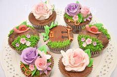 secret garden cupcakes by The Hazelnut Bakery