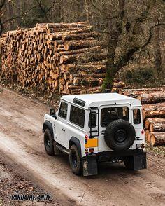 Land Rover Defender 90 Td4 Sw at work.